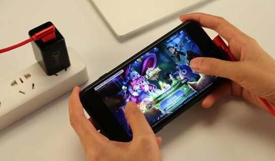 怎么在手机上面赚钱,利用手机游戏赚钱红利期赚钱!